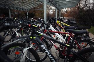 Fahrräder an der LvK