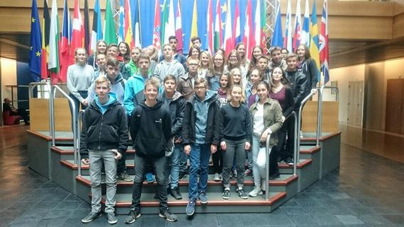 F-Schüler der LvK besuchen mit Seltzer Partnerschule das Europa-Parlament